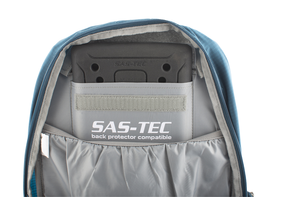 Flux 15 - Main compartment with partition to the water reservoir, and pocket ready for the SAS-TEC SC1-CB52 spine protector