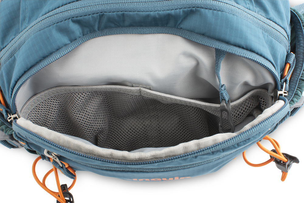 Hip bag - Front compartment with internal mesh binders for storing food (energy bars, etc.) and valuables (wallet) with keychain carabiner.