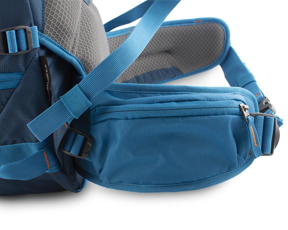 Attack 45 - zipová kapsa na pravé straně bederního pásu