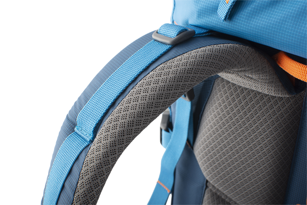 Attack 45 - Strong shoulder straps with reinforced padding to maintain comfort even when transporting heavy loads.