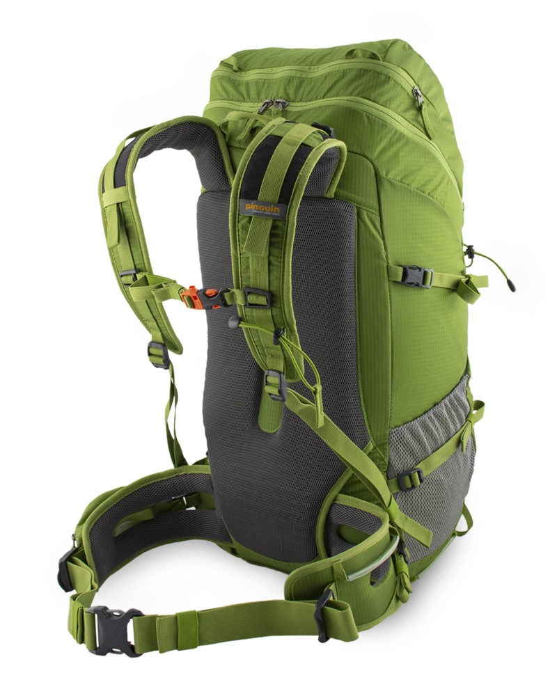 Trail 42 green - The ventilated E3D back system keeps the backpack center of gravity as close to the back as possible, ensuring maximum ventilation.