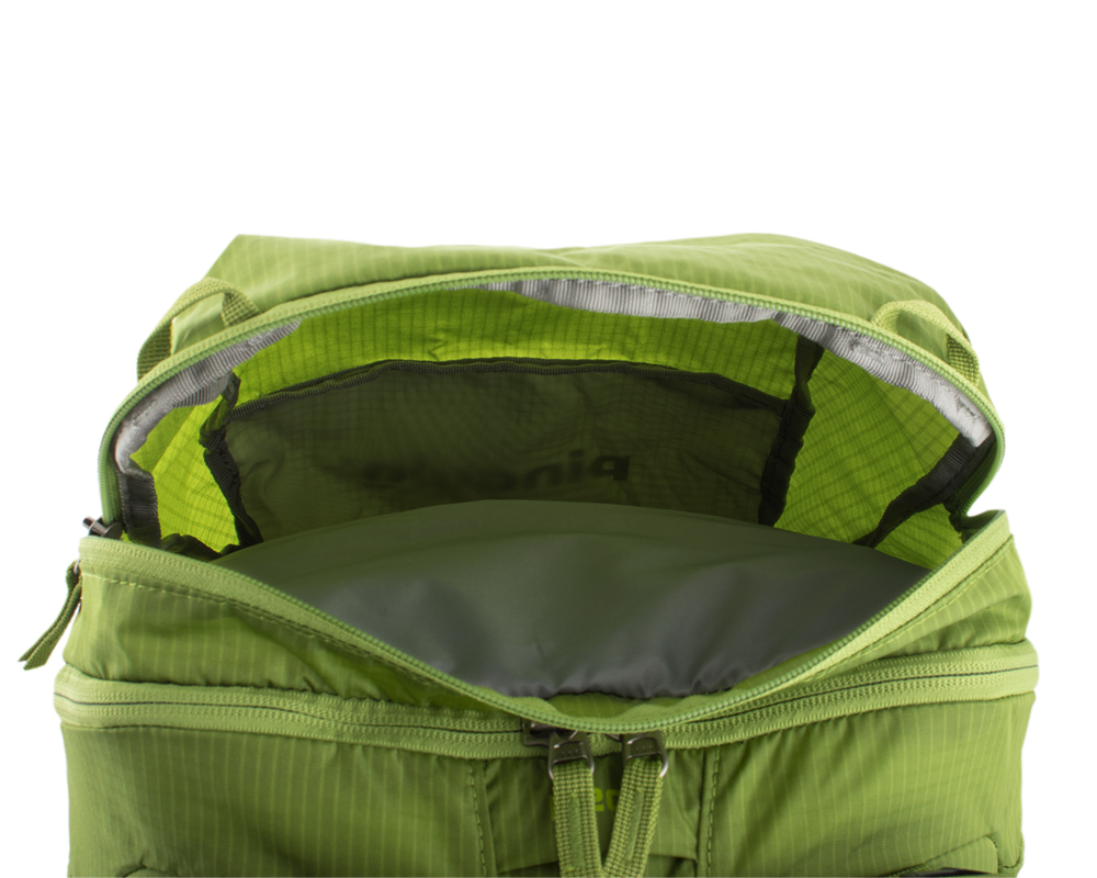 Trail 42 green - Outer zippered pocket on the lid suitable for storing quickly accessible equipment (eg first aid kit) and food.