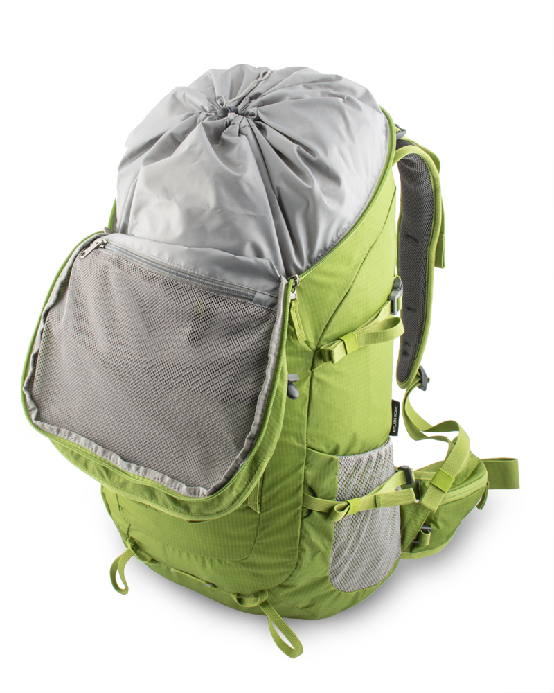 Trail 42 green - Spacious mesh zipper pocket for valuables with carabiner key on the inside of the lid .
