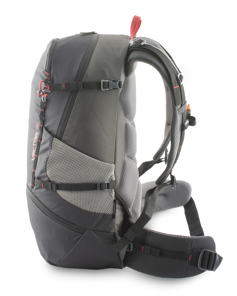 Vector 35 black - A pair of side compression straps to perfectly tighten the backpack and pull the load to the back system promotes mobility when the backpack is loaded.