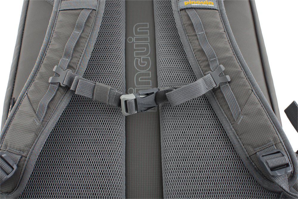 Integral 30 - Height adjustable and detachable chest strap.