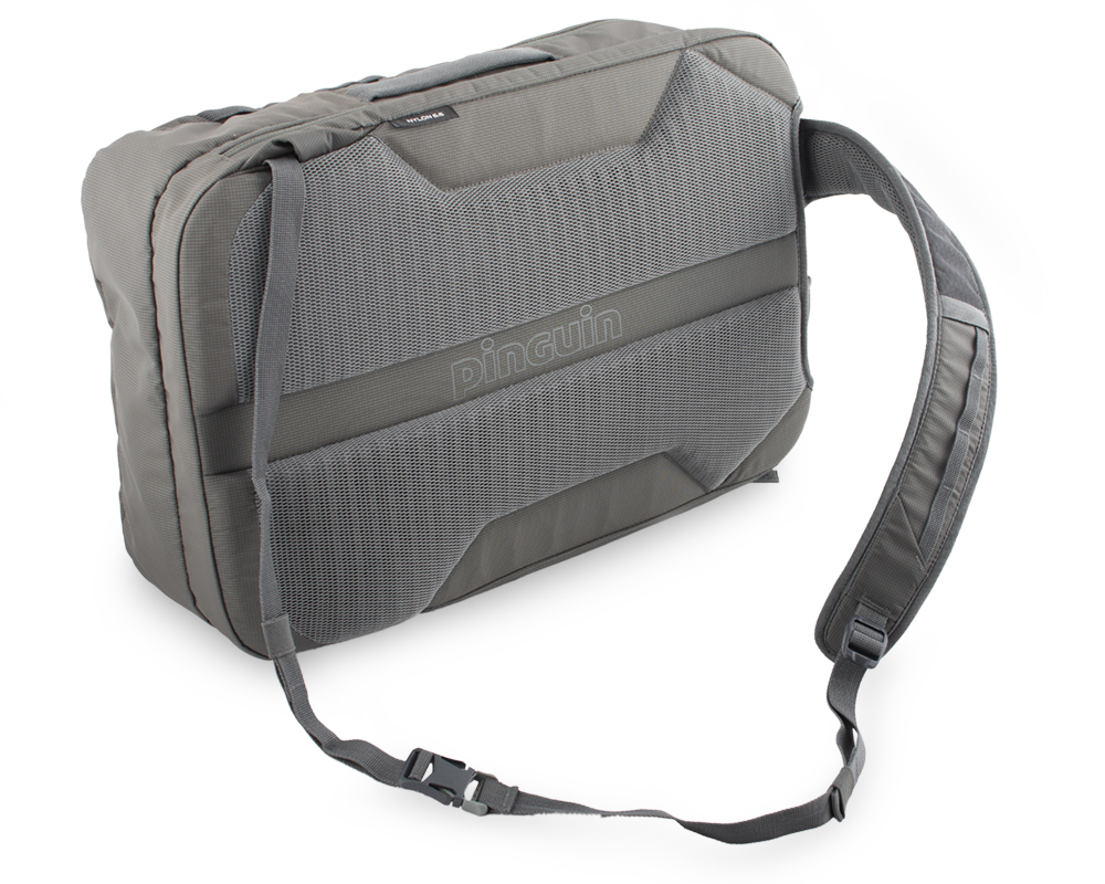 Integral 30 - Possibility to combine the waist strap and shoulder strap and create a shoulder bag.