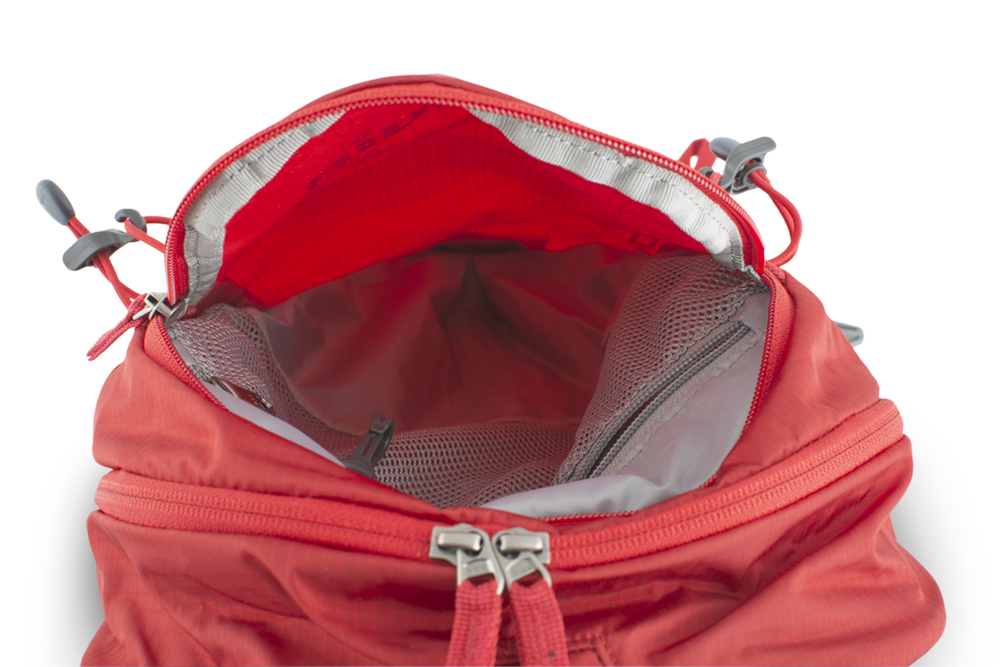 Ride 19 red - prostorná čelní zipová kapsa s vnitřní síťovanou zipovou kapsou na cennosti s karabinkou na klíče