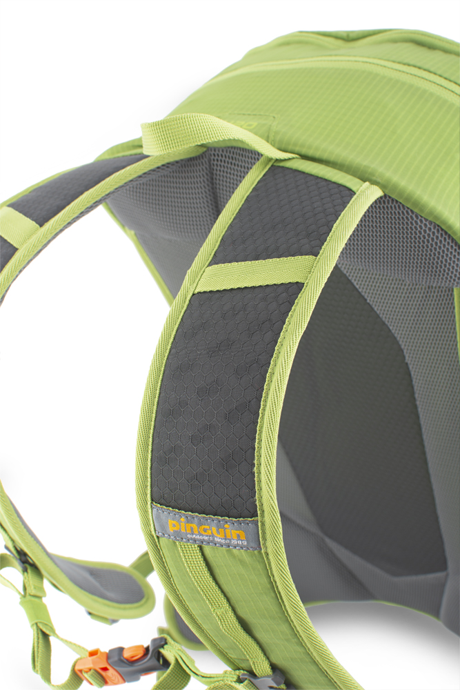 Ride 25 green - Shoulder straps with reinforced padding in the shoulder section for even greater comfort when transporting heavy loads are perforated at the top for increased breathability.