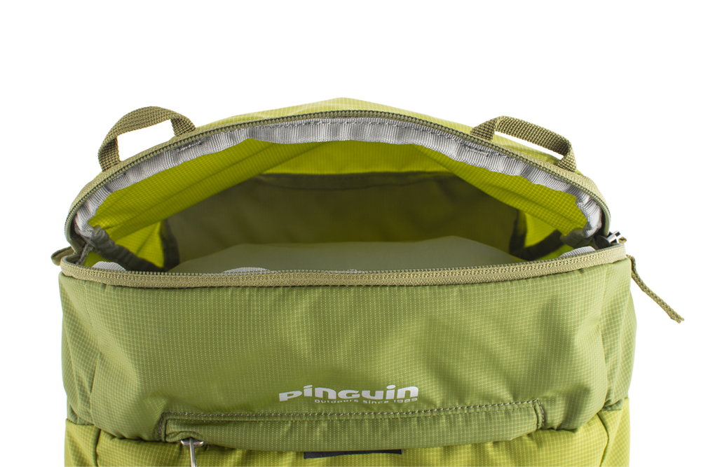 Activent 48 green - Outer zippered pocket on the lid suitable for storing quickly accessible equipment (eg. firs aid kit) and food.