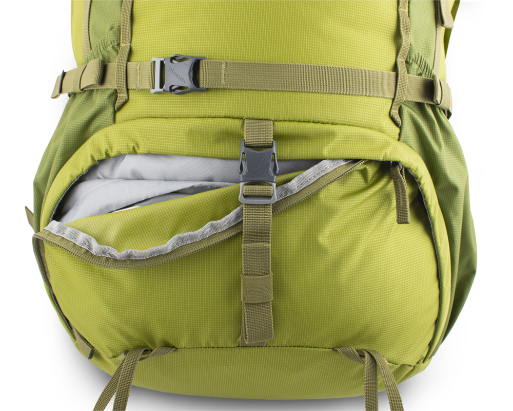 Activent 48 green - The lower chamber zipper is secured with a separate strap with a buckle.