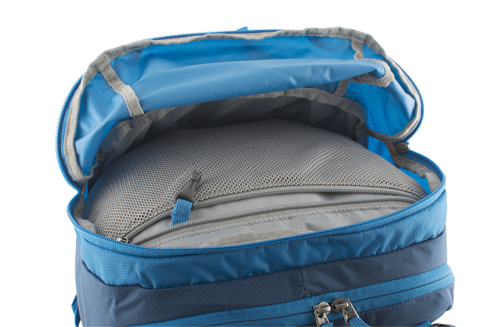 Ridge 28 petrol - prostorná horní kapsa na náhradní rukavice, čepici, lyžařské brýle s vnitřní síťovou kapsou na cennosti a poutkem na klíče
