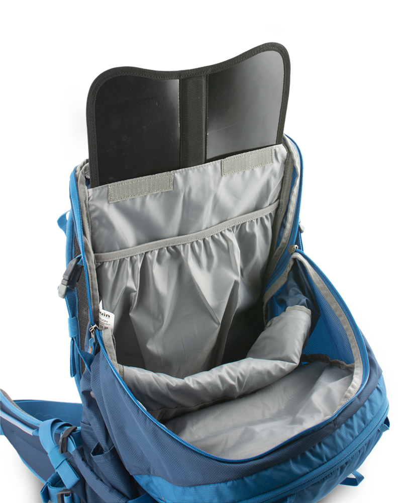 Ridge 28 petrol - The back of the backpack is reinforced with a removable HDPE plate with integrated duralumin reinforcement, which helps to distribute the weight of the transported cargo on the back and eliminates the pressure of transported objects in the back.