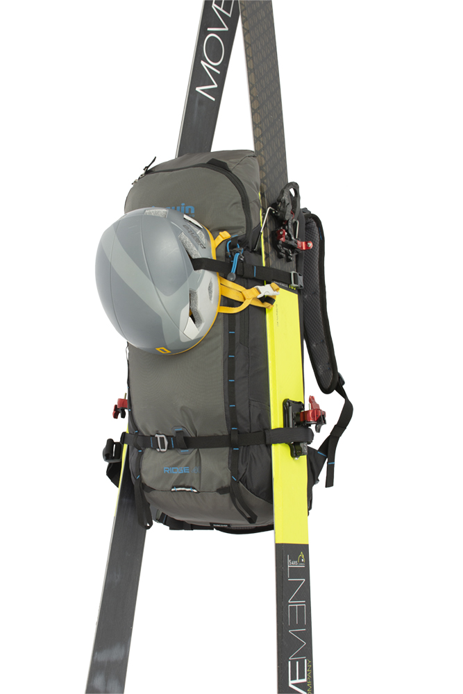 Ridge 40 - The possibility of transporting wide skis on the sides of the backpack.