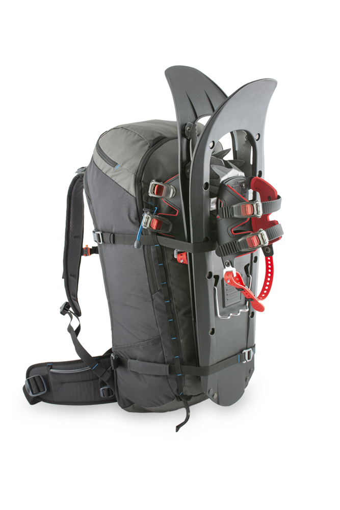 Ridge 40 - Possibility of front fixation of snowboard or snowshoes with horizontal straps.