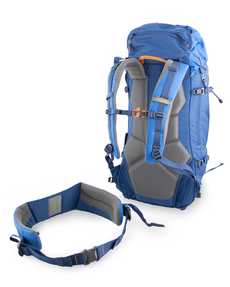 Boulder 38 blue - odepínatelný bederní pás pomáhá efektivně rozložit hmotnost přenášeného nákladu mezi boky a záda
