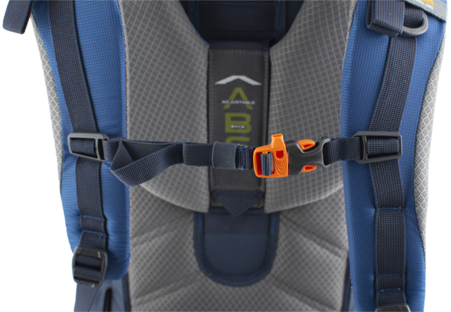 Explorer 100 navy - Height adjustable and detachable chest strap with emergency whistle.