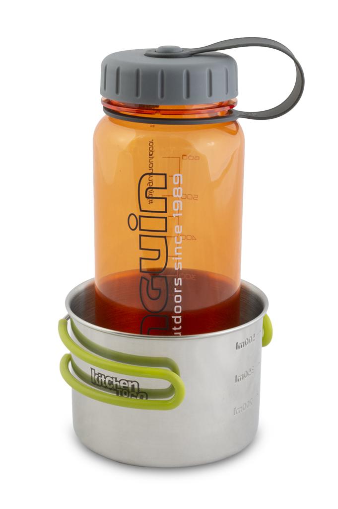 Tritan Slim Bottle 600ml oranžová v hrnku Steel mug